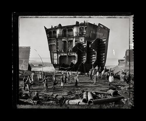 Edward Burtynsky, Shipbreaking #4, Field Proof, Chittagong, Bangladesh, 2000. From, Pentimento, a portfolio of 10 photographs. Faulconer Gallery, Grinnell College Art Collection. Image: © Edward Burtynsky, courtesy Howard Greenberg and Bryce Wolkowitz, Ne