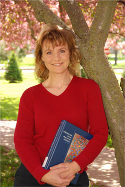 Shonda Kuiper with book