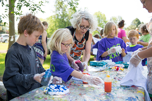 Tilly Woodward and children doing art project