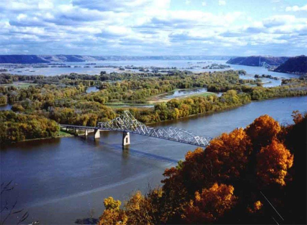 Bridge Crossing Mississippi River