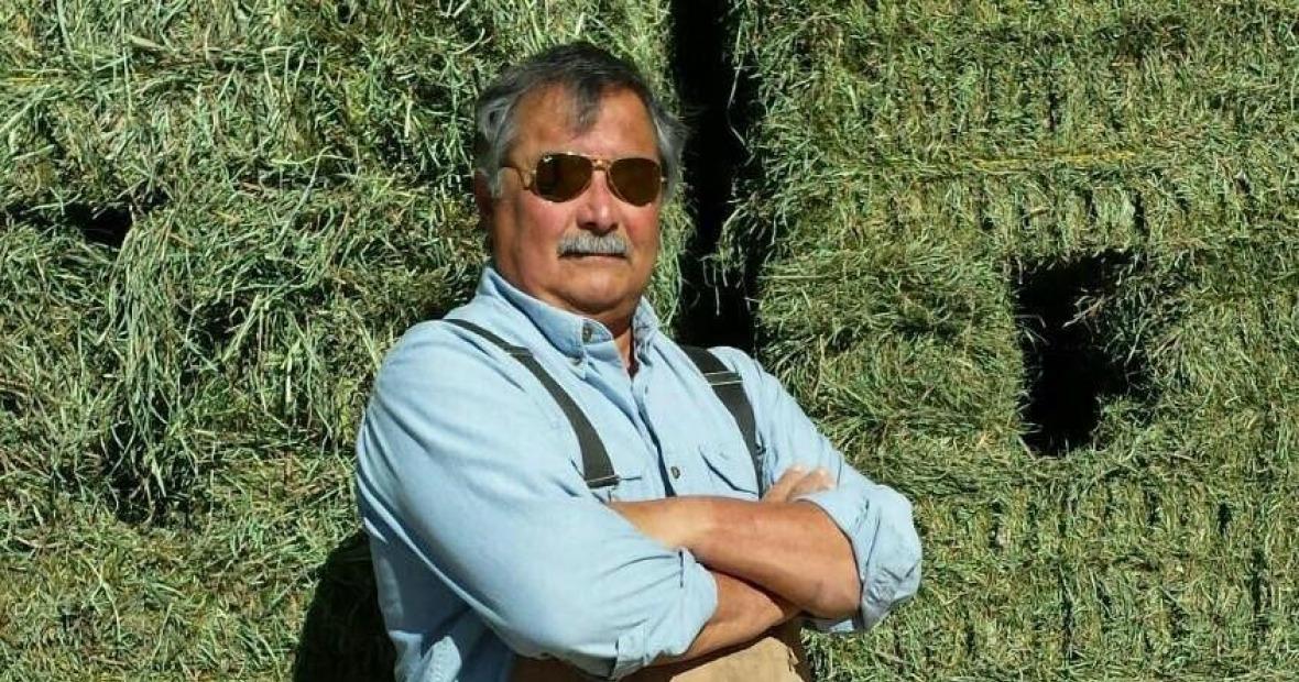 Carlos Mendoza '72