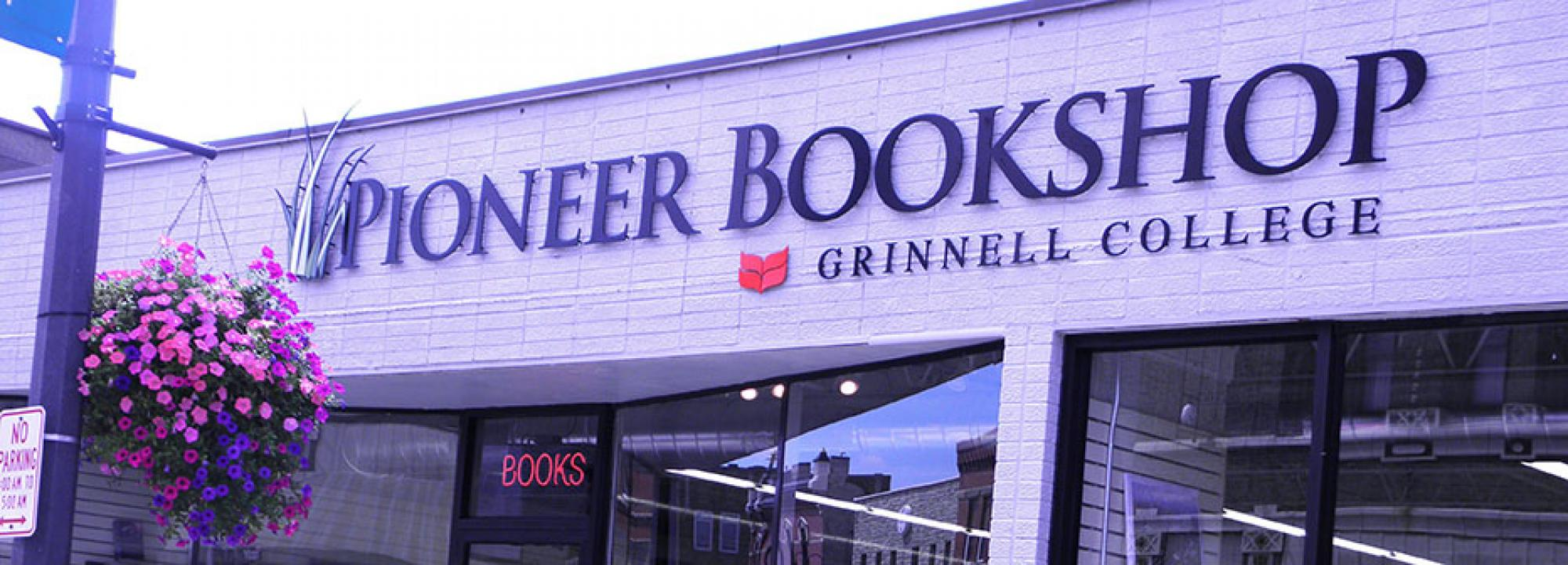 Entrance to Pioneer Bookshop - Grinnell College