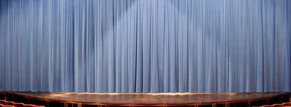 Roberts Closed Curtain