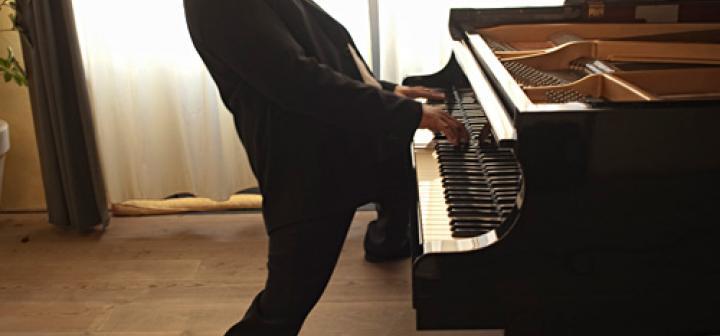 ELEW, rock pianist