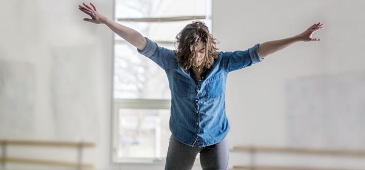 Lauren Sheely dancing