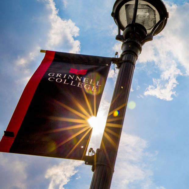 Grinnell College banner