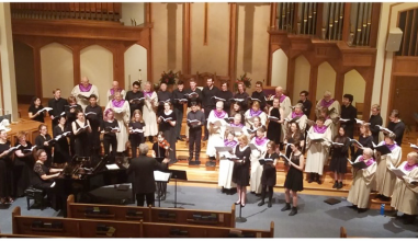 The Grinnell Singers performing