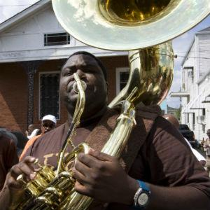 Bennie Pete and Hot 8 Brass Band