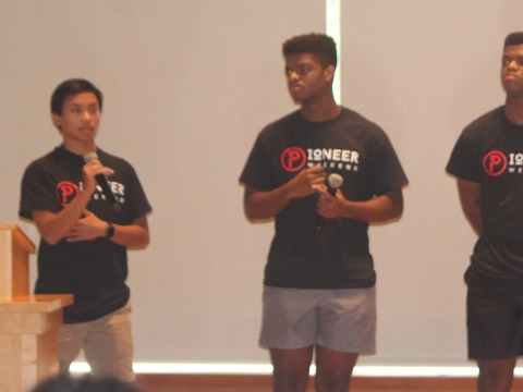Students pitch at Pioneer Weekend in 2019