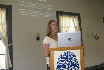 Summer Jones '16 presenting her paper.
