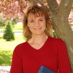 Shonda Kuiper portrait