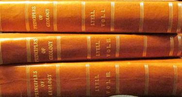 3 Volumes of Principles of Geology