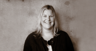 Black and white photo of Jocelyn Wyatt '99