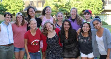 Group shot of Grinnell alums who are LVC volunteers 2015-16