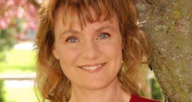 Shonda Kuiper (close-up)