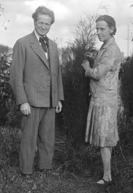 Walter Burley Griffin and Marion Mahony Griffin in Sydney, 1930