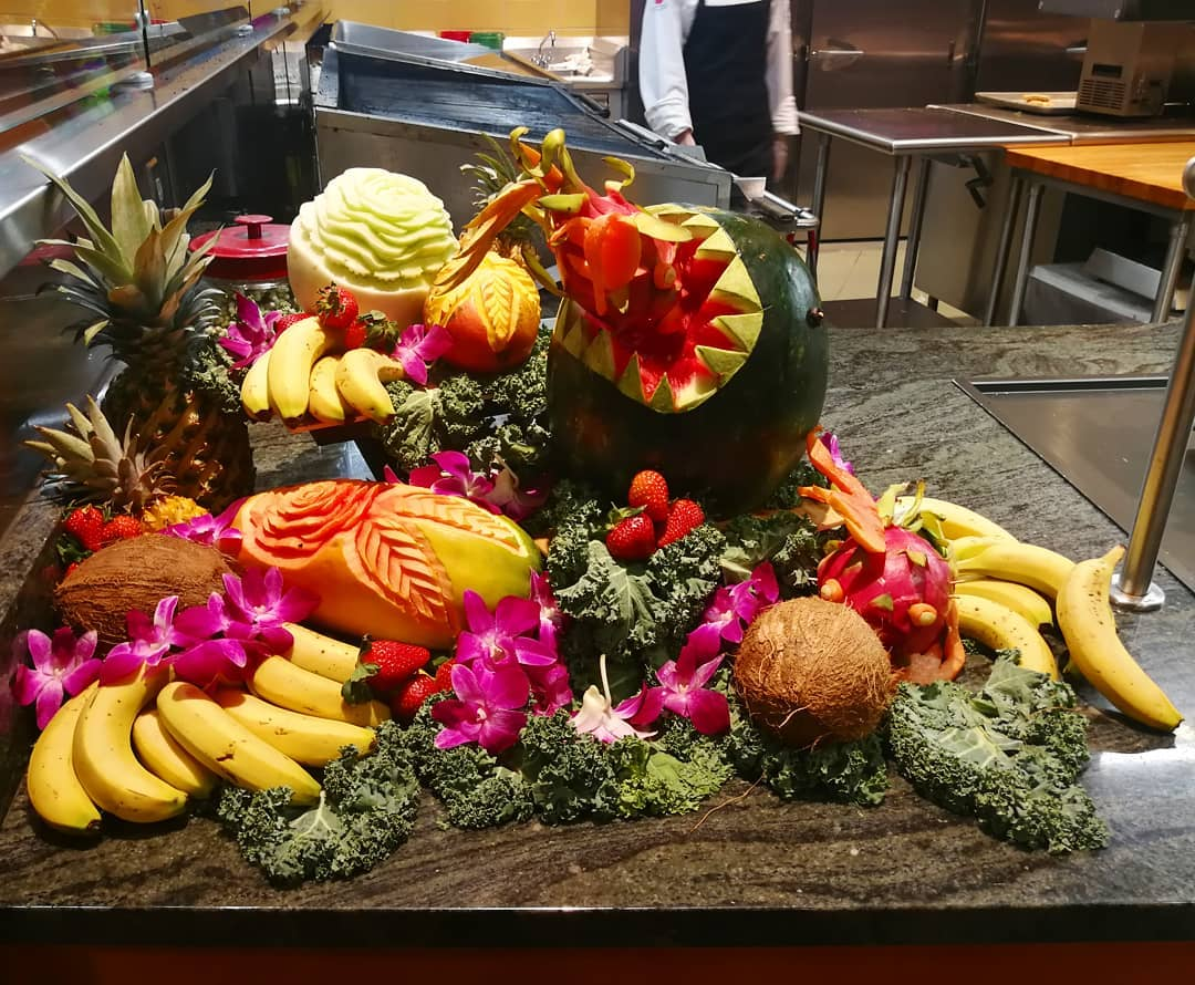 Food display in the dining hall